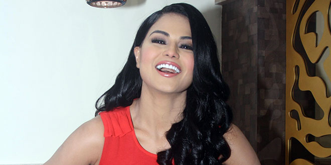 Veena Malik mocks India's Chandrayaan-2 mission