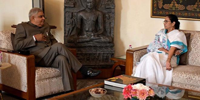Photo of Mamata, Dhankhar hold one-on-one at Raj Bhawan